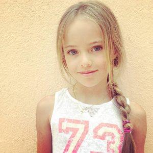 Kristina-Pimenova-le-jeune-top-de-9-ans-qui-cree-la-controverse