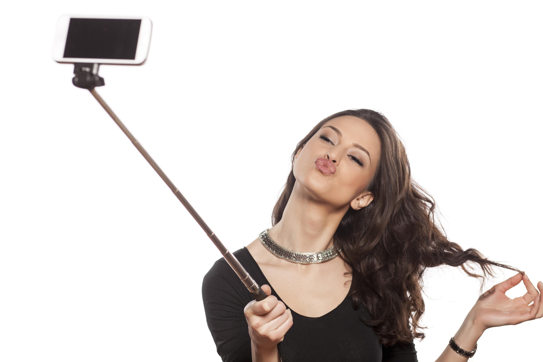 【自撮りを意味する英語】Selfie(セルフィー)の意味と正しい使い方