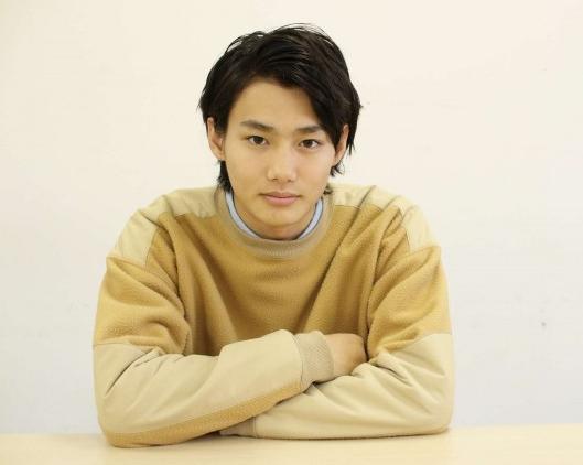 柴崎冬真(21):野村周平(22)好きな人がいること