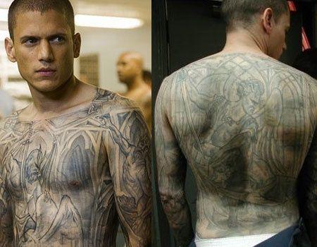 12. マイケルのタトゥーは、推定200万円